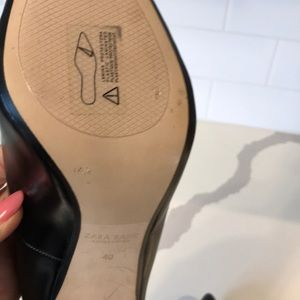 Zara Shoes - Zara black basic leather heels